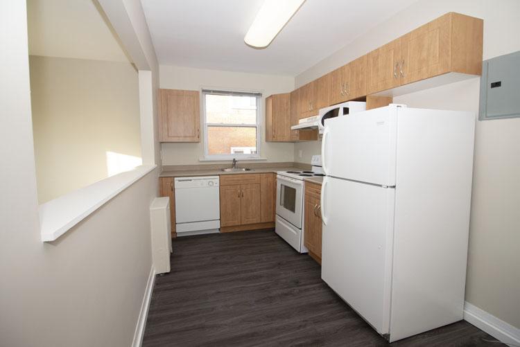 579 Broadway Avenue - Kitchen Pic 2 - Suite 15.jpg