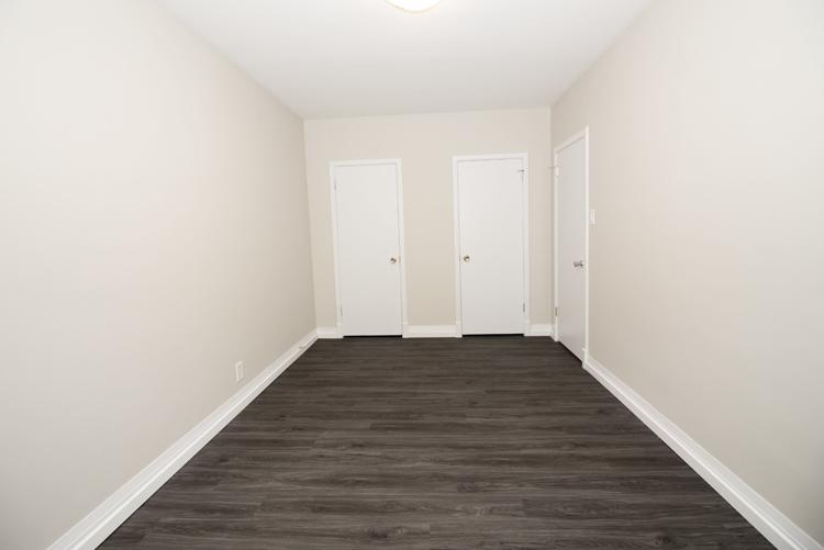 579 Broadway Avenue - Bedroom Pic 2 - Suite 15.jpg