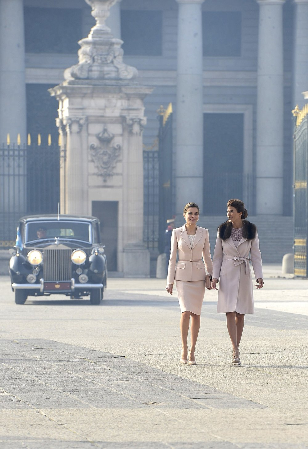 Queen Letizia (left) and First Lady Juliana Awada (right) - Photo courtesy of Getty Images