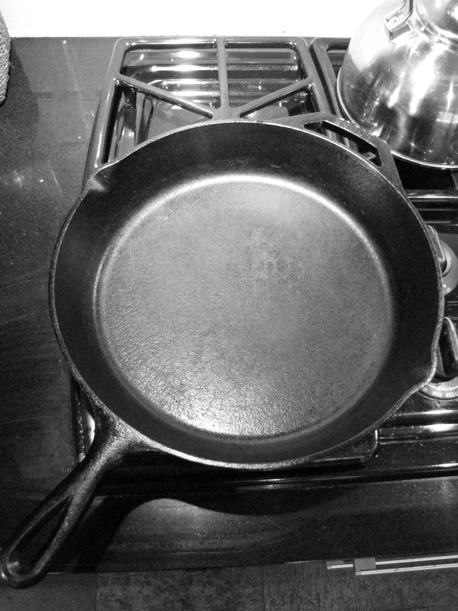 How Non-Stick Cookware Can Be Toxic & How To Avoid It