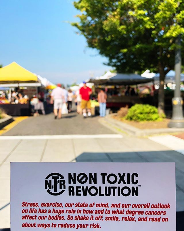 We hope you're having a relaxing Sunday 🤗 #pdx area catch us until 3pm at the @vancouverfarmersmarket 💚 #farmersmarket #stress #cancer #prevention #nontoxic #nontoxicrevolution