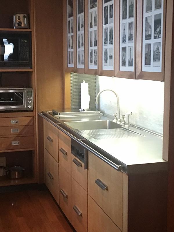 Empire Suite Kitchen