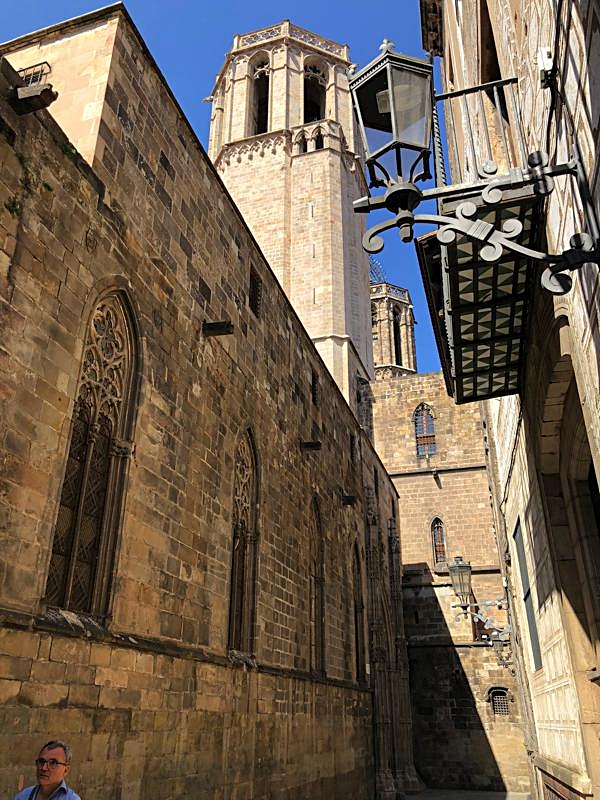 Gothic streets 3.JPG