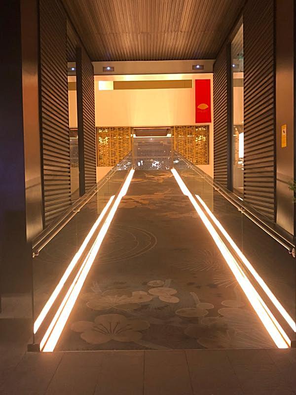 Hotel Entrance 1.jpg
