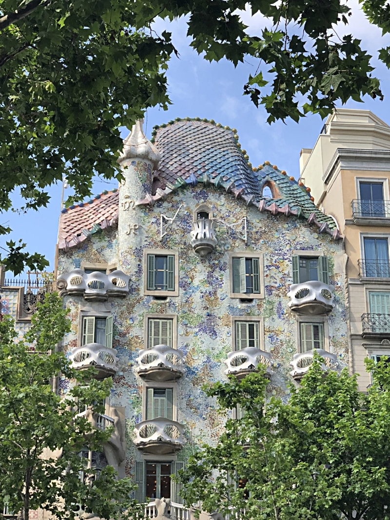 Gaudi's Casa Battle on Passeig de Gracia