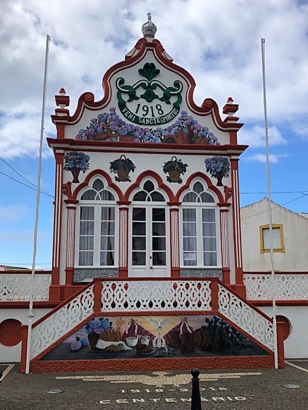 The Império do Divino Espirito Santo, Sao Sebastiao
