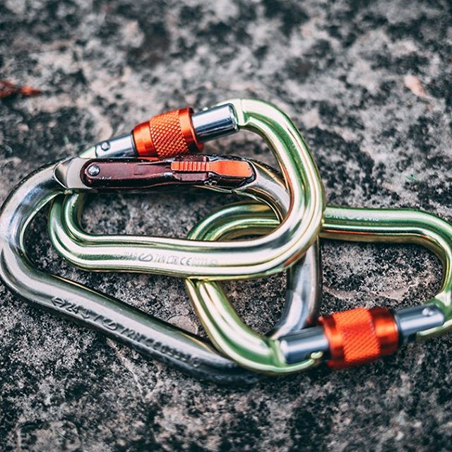 Ever wanted to know what the best carabiner on the market is??? We've got you covered with our newest YouTube vid. Check it out, link in bio!