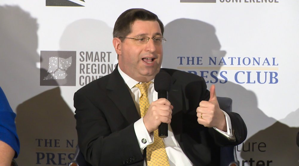 Intelligent Transportation Society of America's Vice President for External Affairs and Stakeholder Engagement,  Jason Goldman , talks about smart mobility efforts on the Leadership Forum at Smart Regions Congress.