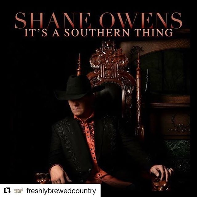 #Repost @freshlybrewedcountry ・・・ #NewMusicFriday just keeps getting better! Check out the #ItsASouthernThing EP from our #FreshFind @shaneowenscountry 🎶 #shaneowens #shaneowenscountry #newmusic #newcountry #musicnews #music #countrymusic #countrymusicnews #menofcountry #ep #newsongs