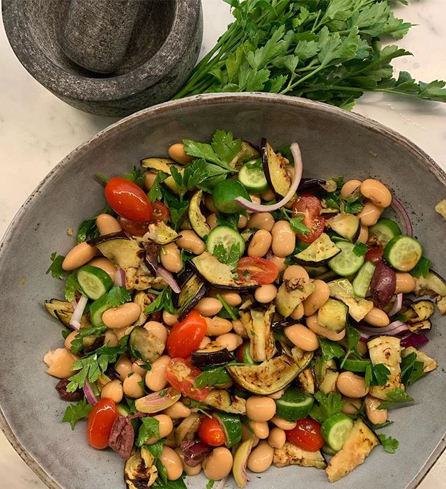 "GREEK WHITE BEAN SALAD! . ✨ White beans (cooked and cooled or from a can), grilled eggplant (pan grilled and chopped into pieces), cucumber, tomato, Spanish onion, parsley, black olives, lemon, olive oil, chilli flakes, salt and pepper. . ✨Greek Easter is this weekend coming and its tradition to ""fast"" which is basically becoming vegan (with a little seafood) for 40 days or even just the week before. This is done to mirror the sacrifice of Christ. For as long as I can remember I have done this the week leading up to Easter. Back when I was younger this used to be so hard but it's so amazing to see the evolution and move towards plant based eating which now makes doing this so easy and not even a sacrifice! . #vegetables #plantbaseddiet #health #nutrition #nutritionist #wholefoods #nourish #easyrecipes #vegan"