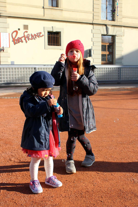 Héléna et Zélia : Vêtements-La compagnie des petits-chaussures perso.