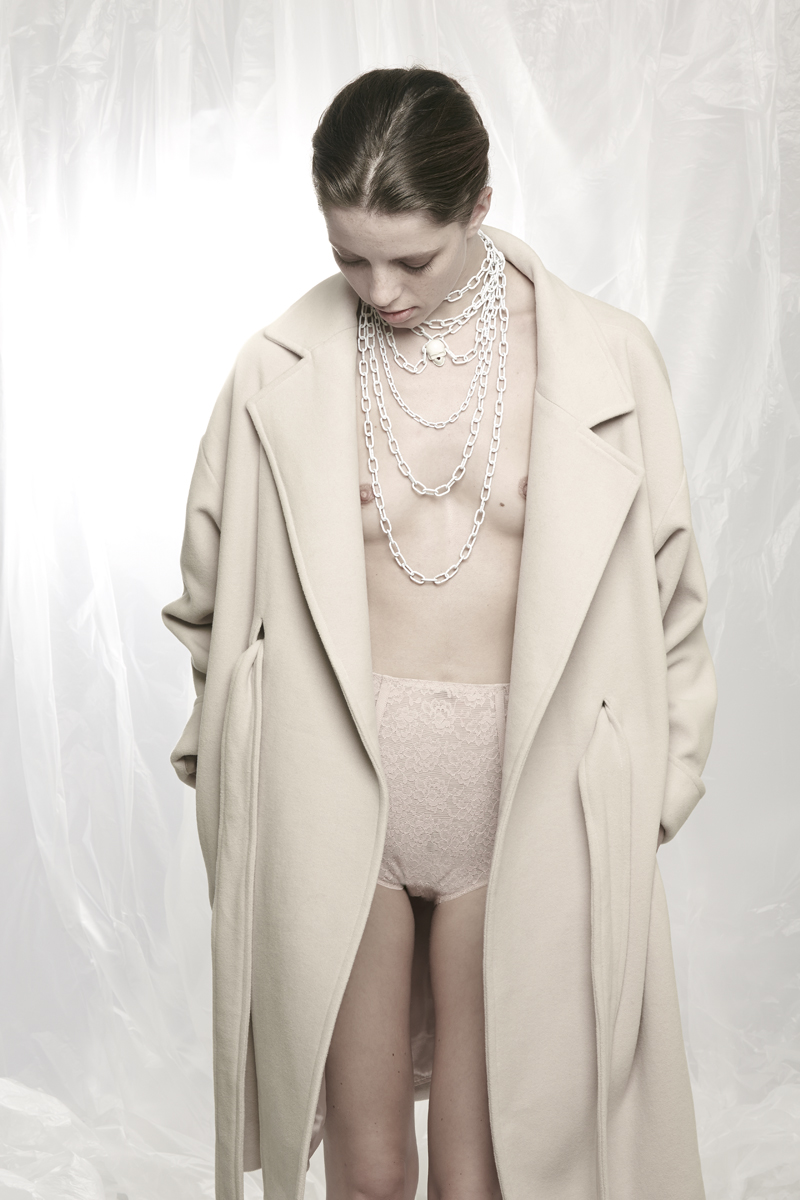 Collection: Aleksandra WisniewskaModel: OliviaHair & Make-Up: Nadine Weiss (Style Council)