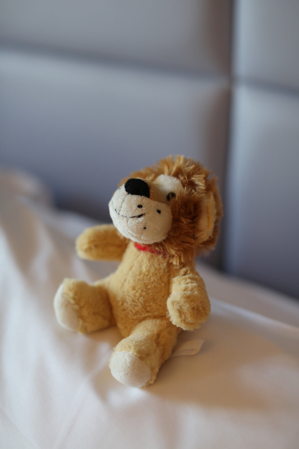 ritzcarltonlion.JPG