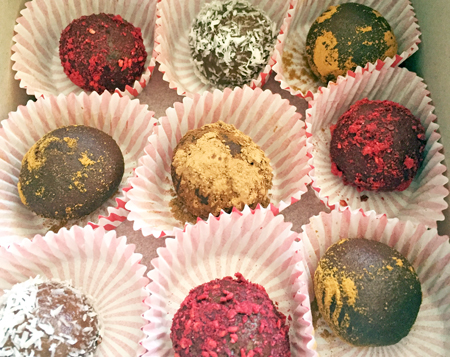 Raw Chocolate Truffles from Vivacious Dish