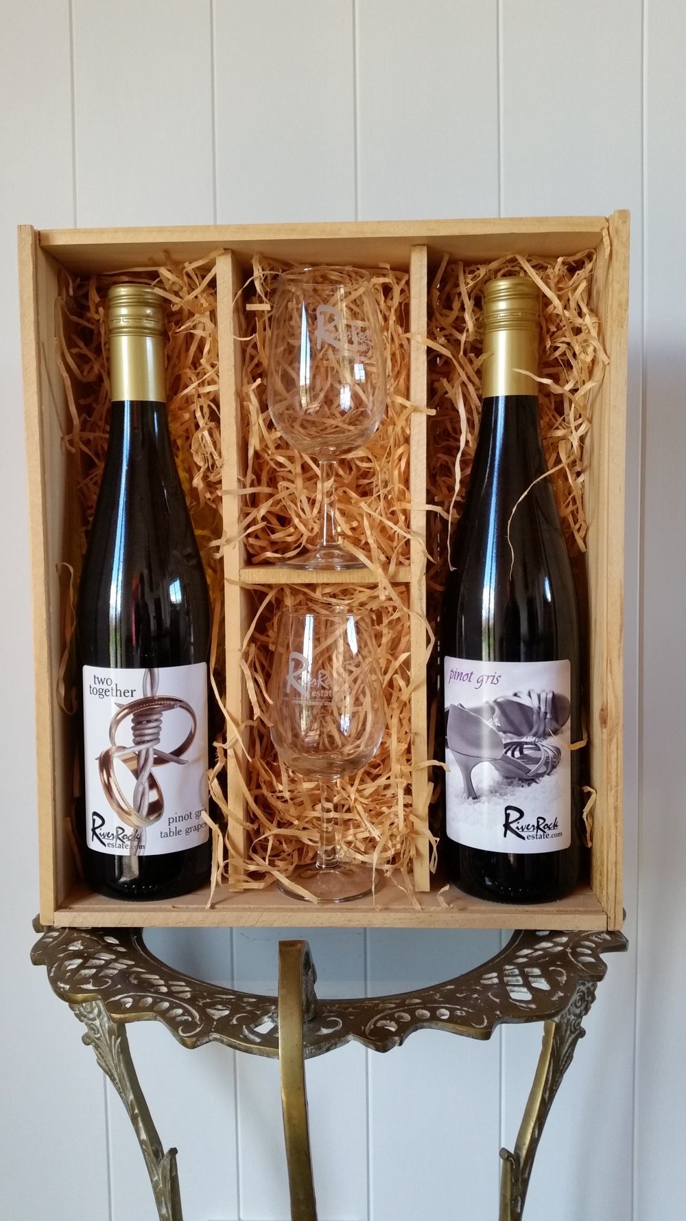 2 Bottle 2 Glasses Gift Box