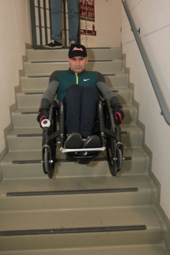 11.06.2017   Frankfurt   - Down Stairs with Wheelchair    2404 steps,   122 floors,   50:47 min.