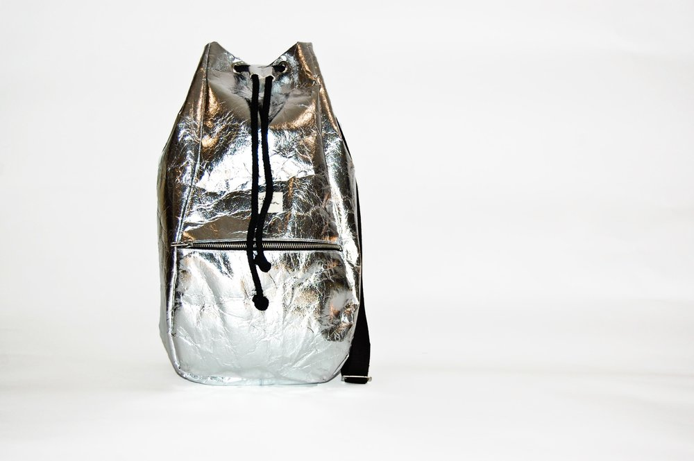 "KALIBER FASHION   RUCKSACK,  ""PINEAPPLE"" 100% PINATEX, SILVER  €229"