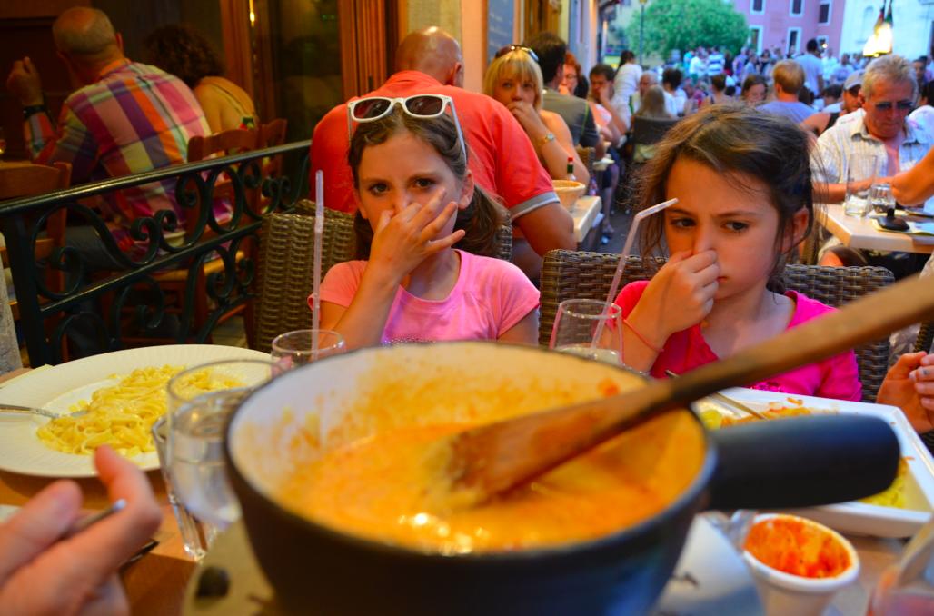 mmm. fondue