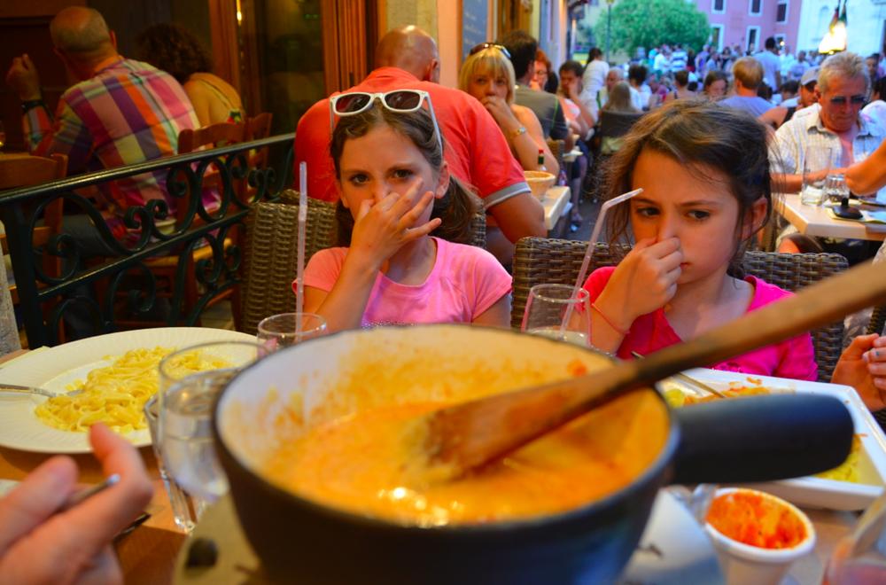 mmm.-fondue.png