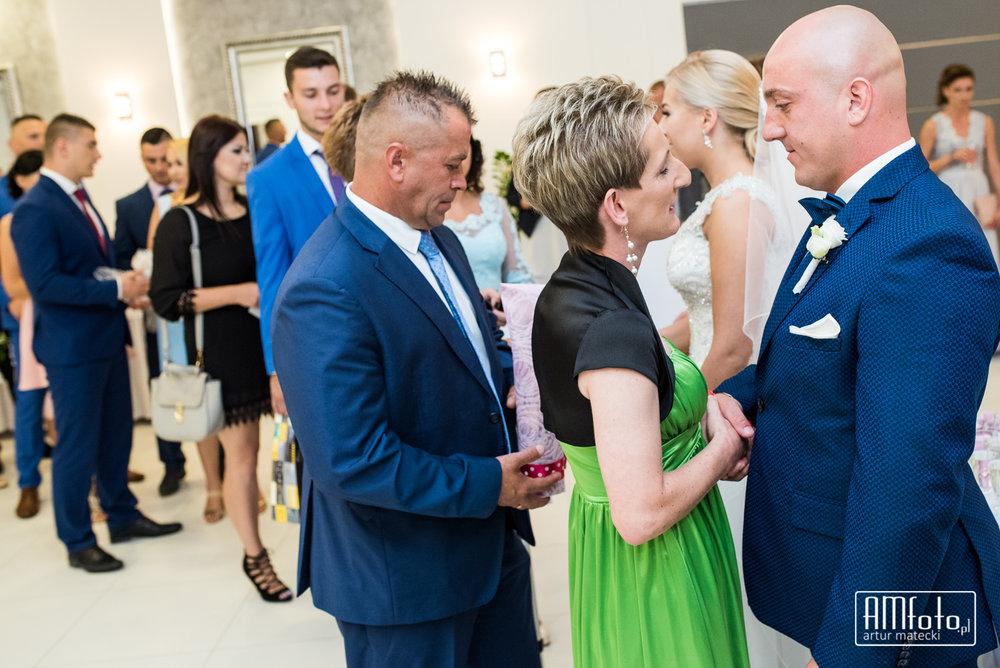 0422_Maja&Sebastian_fotoreportaz_slub_wesele_poprawiny_ostrow____www-amfoto-pl__AMF_5436.jpg