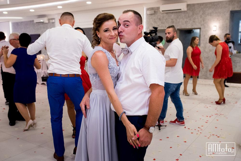 0637_Maja&Sebastian_fotoreportaz_slub_wesele_poprawiny_ostrow____www-amfoto-pl__AMF_5664.jpg