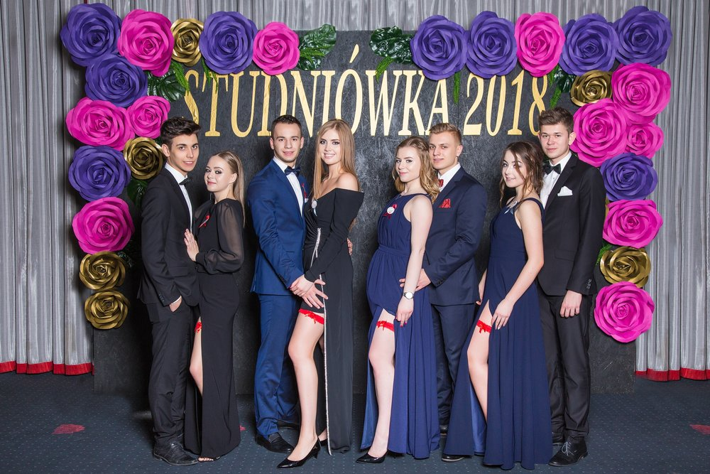 0028_100dniowka_studniowka_kalisz_IIILO_im_kopernika_zdjecia_par_scianka__7883.jpg