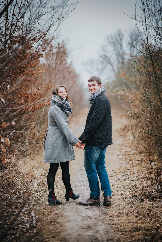 0018_Anna&Lukasz_sesja _narzeczenska_ostrow_wlkp_piaski_las_jezioro_______fotografia_slubna_www_amfoto_pl_DSC_6705.jpg