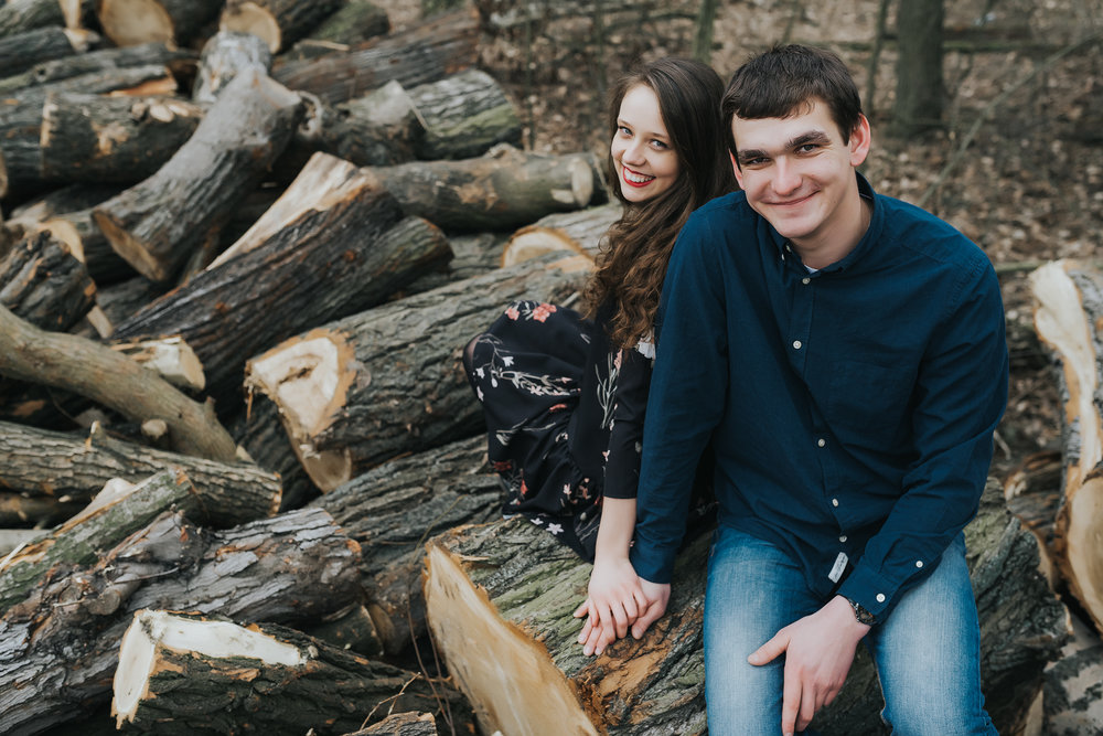 0109_Anna&Lukasz_sesja _narzeczenska_ostrow_wlkp_piaski_las_jezioro_______fotografia_slubna_www_amfoto_pl_DSC_6796.jpg