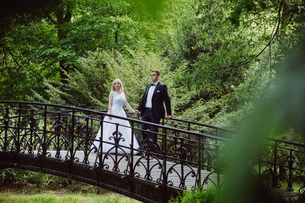 0113_Paulina&Bartosz_sesja_poslubna_wroclaw_plener_slubny___fotografia_slubna_www_amfoto_pl_AMF_2052.jpg