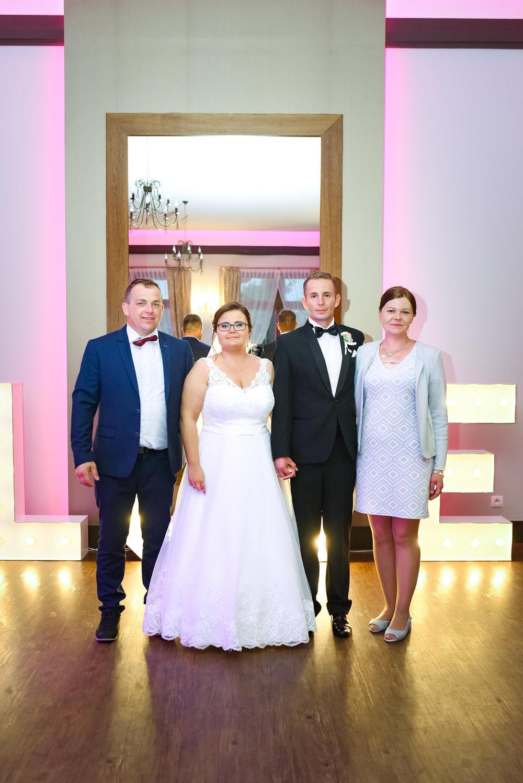 1042_Natalia&Marek________fotoreportaz_ze_slubu_dobrzyca_parafia_sw_tekli_wesela_witaszyce_bryllandia______fotografia_slubna_www_amfoto_pl_AMF_9619.jpg