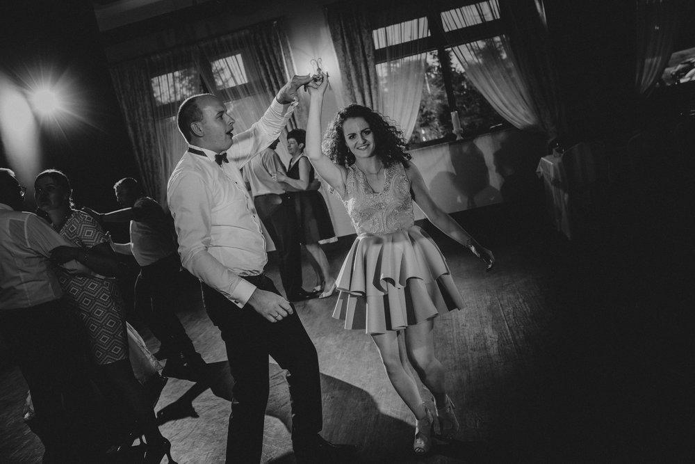 0937_Natalia&Marek________fotoreportaz_ze_slubu_dobrzyca_parafia_sw_tekli_wesela_witaszyce_bryllandia______fotografia_slubna_www_amfoto_pl_AMF_9514.jpg