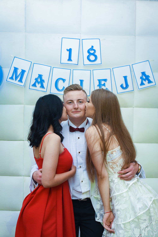 0824_18_Maciej________fotoreportaz_z_osiemnastych_urodzin_fotografia_eventowa_okolicznosciowa_www_amfoto_pl_AMF_4808.jpg