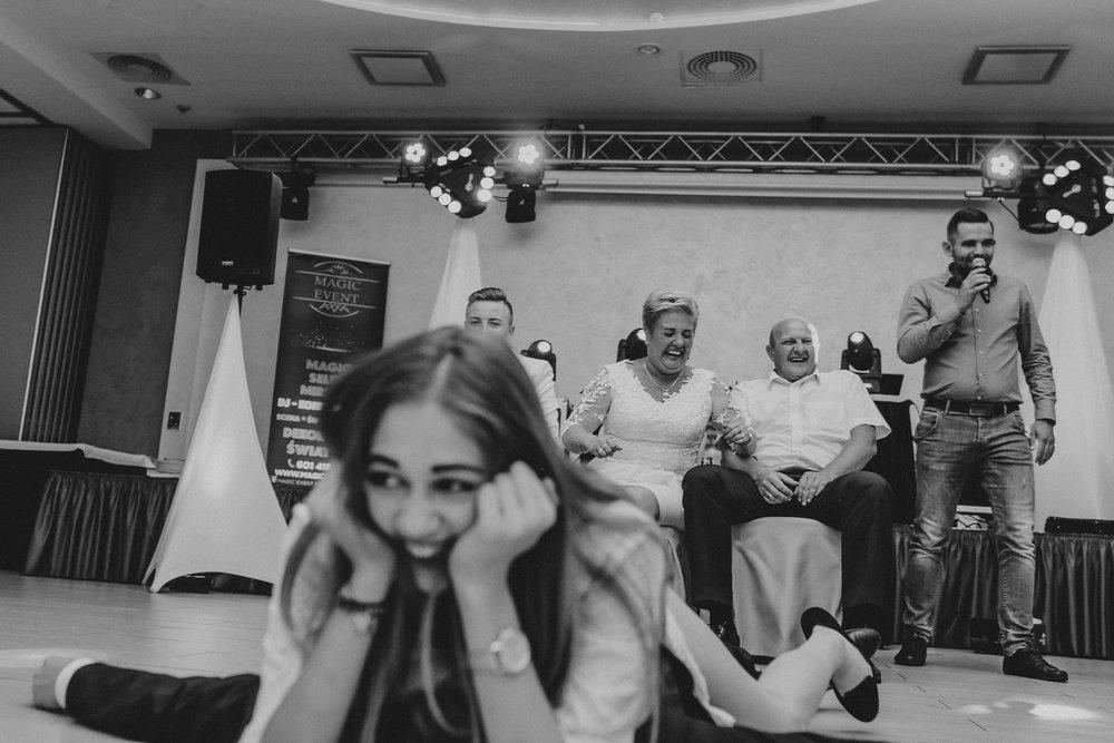 1339_18_Maciej________fotoreportaz_z_osiemnastych_urodzin_fotografia_eventowa_okolicznosciowa_www_amfoto_pl_AMF_5353.jpg