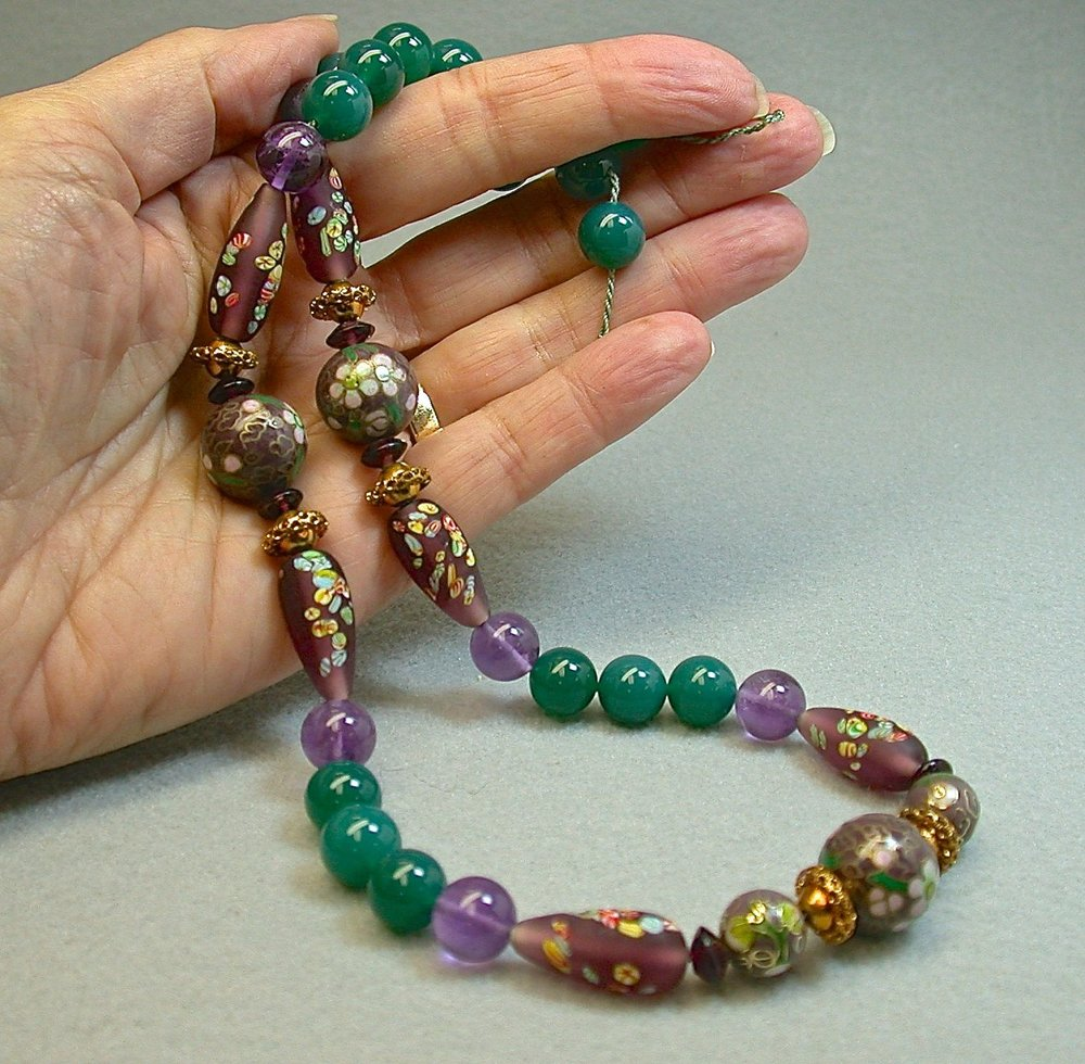 Vintage Emerald Green Chalcedony Bead Necklace