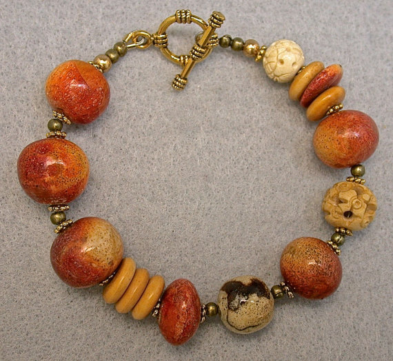 Vintage Apple Coral Bead Bracelet