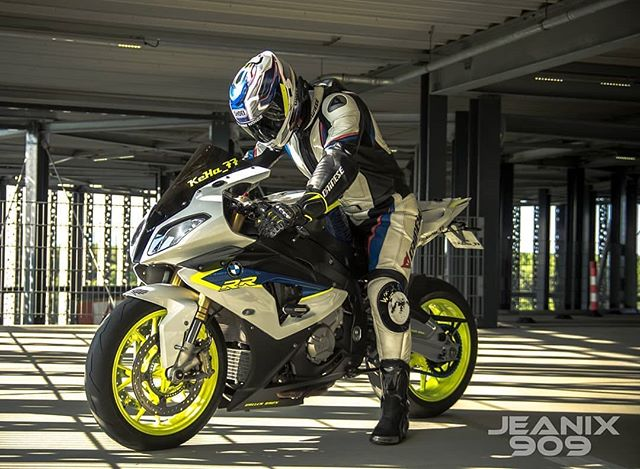 Ready... Set... Ride... #Motolo #MotoloCrew  @jnx_photography_909