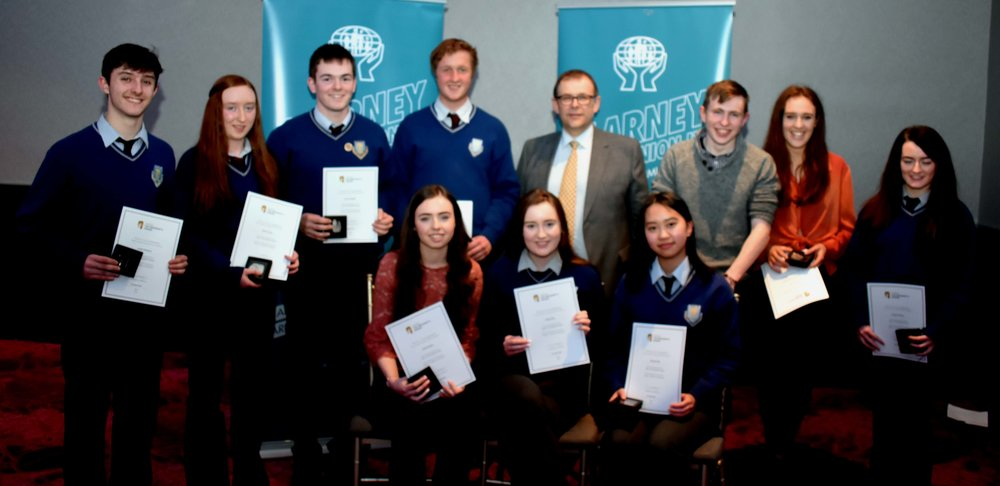 Silver Gaisce Award winners: (Top L-R): Jordan Keohane, Aoife O' Leary, Conor Vaughan, Seanán Jones, Stephen Foley, Ciara Sheehan, Triona Twomey. (Bottom L-R) : Aoibhin Barry, Sarah Daly, Hannah Chen. (Pictured with Mr. Mark McGloughlin - BOM and Blarney Credit Union)