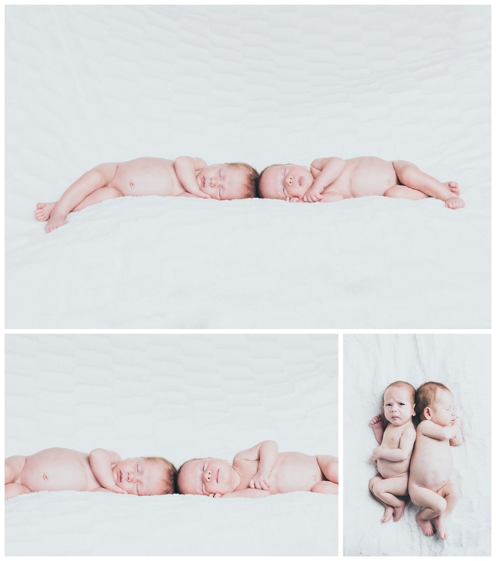Naked twin newborn Photo