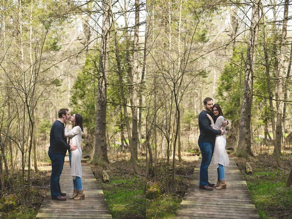 Midwest Woods Engagment Photos_0011.jpg