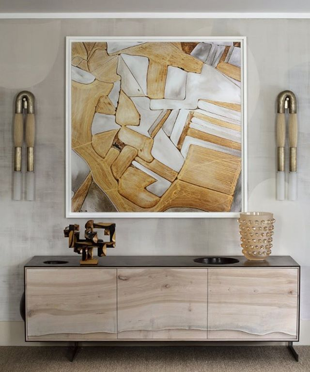 Obsessed with these @apparatusstudio horsehair sconces in Kips Bay Showhouse. Beautiful work @dineenarchitecture