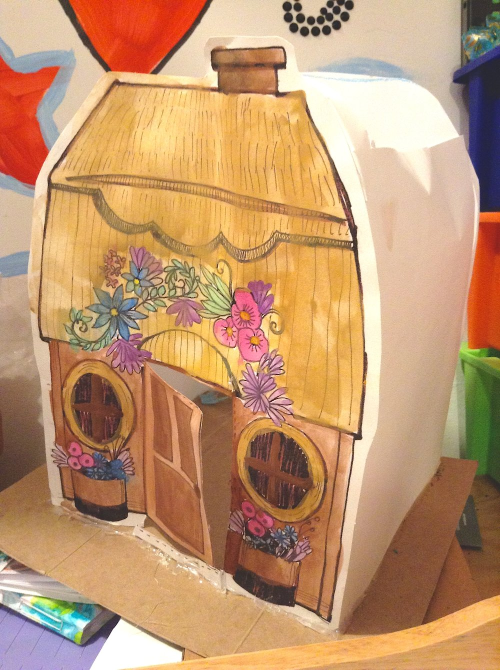 Julia's beautiful Fairy House made of paper !!!
