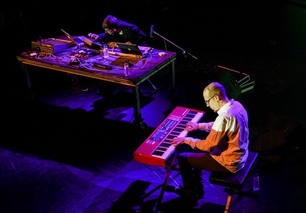 Afloat-Nev.Era-y-Albert-Catalá-Live-Mutek-Barcelona-2016.-Sala-Barts.jpg
