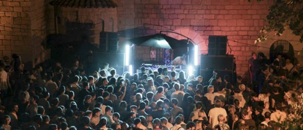 daphni_b2b_floating_poble-619x266.jpg