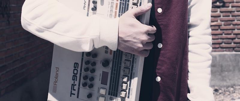 Victor-Santana-Roland-TR-909.jpg