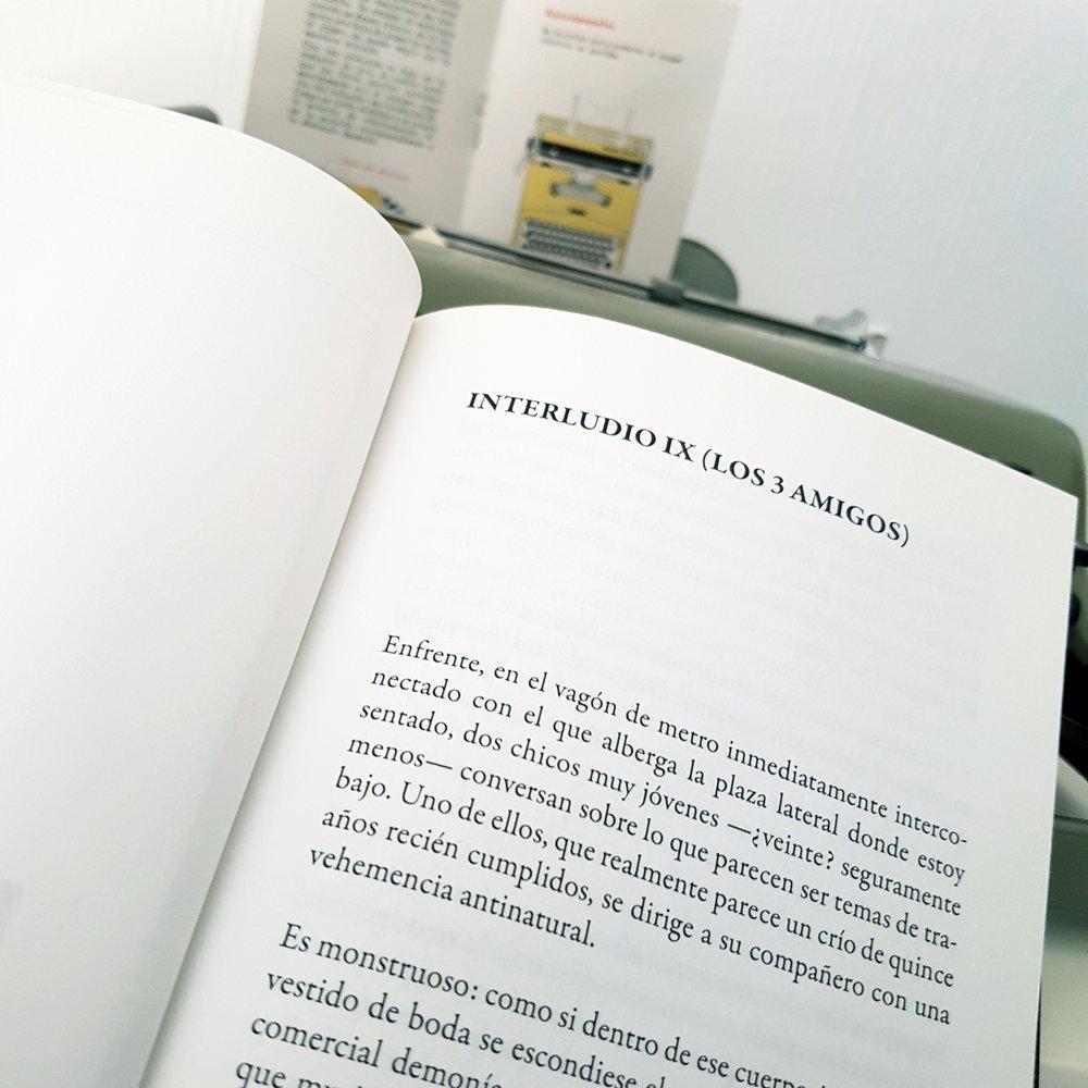 INTERLUDIO IX (LOS TRES AMIGOS)by Riot Über Alles - Un relato del 1/2 libro Estereotipos de permanencia