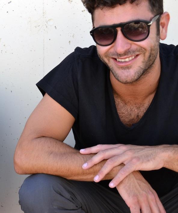 Francesco Mami. Yo también sonreiría si estuviese por sacar un EP como 10191.