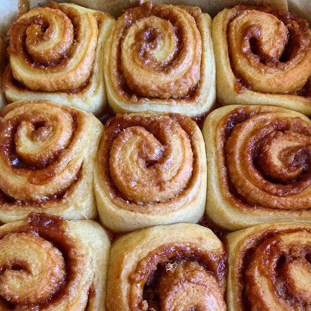 Cinnamon rolls out of the oven...smells pretty good in here!  #smallbatchabakery #bakery #tucson #arizona #sourdoughbrioche #cinnamonrolls #wholegrainbaking #khorasanflour #bkwfarms #bakingwithlocalflour
