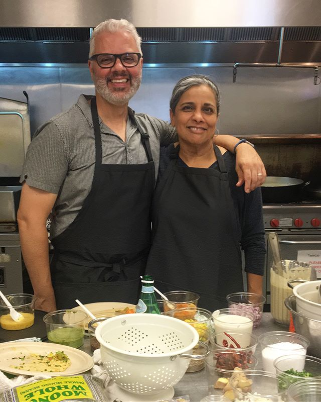 We love when we have guests! @joeyonan stopped by for a dosa-making lesson with @dcdosa 🌕 and got the seal of approval from Priya!  _______ #madeintastelab #madeindc #pineappledc #unionmarket #vegan