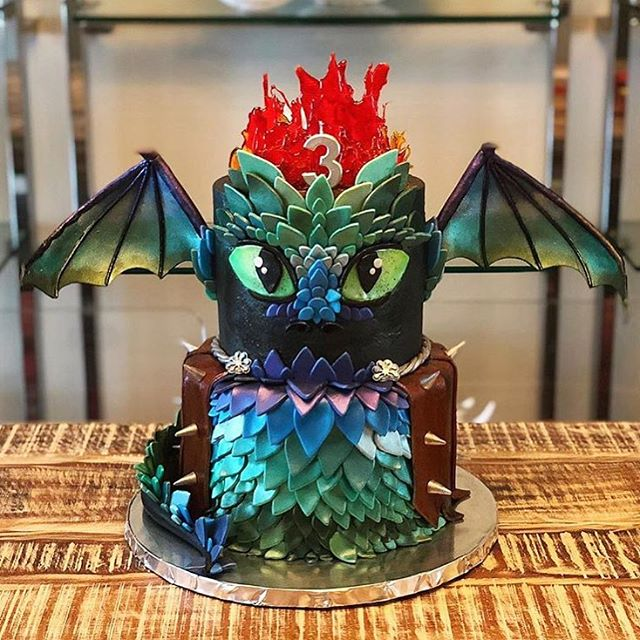 Happy Halloween! Hope it's as hauntingly gorgeous (and absolutely delicious) as this cake by @cakesbygene 🐲 #happyhalloween #madeindc #madeintastelab  ______________ #cake #cakesofinstagram #cakedecorating #dragon #wow #almosttooprettytoeat #halloween #dceats #dccakes