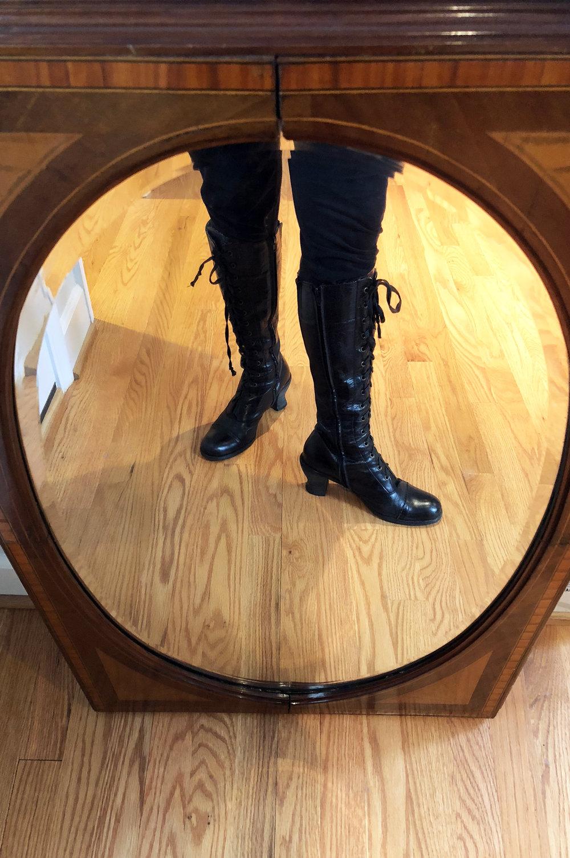 Persues Boots .jpg